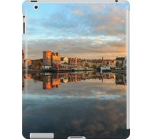 Panoramic View of the Sunset over the Shore in Edinburgh iPad Case/Skin
