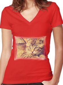 Retro Kitten Photo 2 Women's Fitted V-Neck T-Shirt
