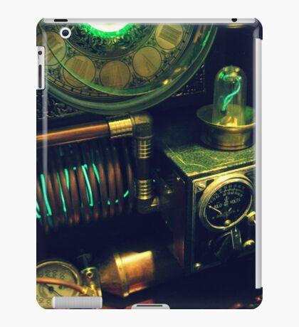 Steampunk Time Machine 1.0 iPad Case/Skin