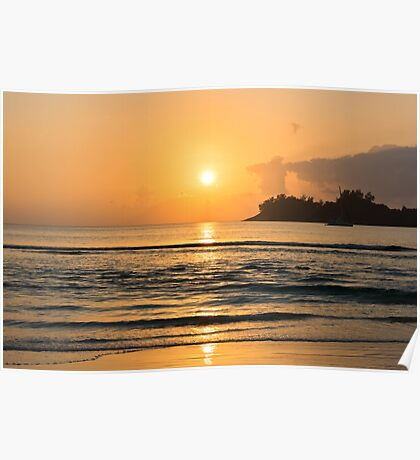 Beautiful tropical sunset in the ocean Poster