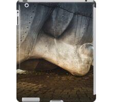 Merchant Seafarer's War Memorial Cardiff Bay iPad Case/Skin