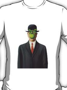 MAGRITTE T-Shirt