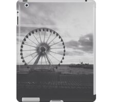 Black and White Brighton Wheel iPad Case/Skin