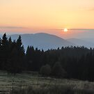 Sunset in Beskidy by bogfl