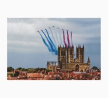 Red Arrows over Lincoln Cathedral Kids Clothes
