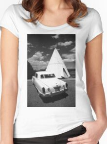 Route 66 Wigwam Motel and Classic Car Women's Fitted Scoop T-Shirt