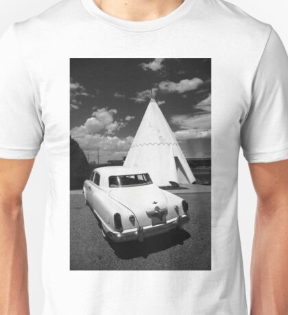 Route 66 Wigwam Motel and Classic Car Unisex T-Shirt