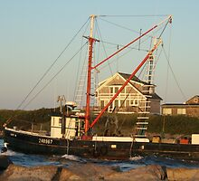 Galiee, rhode island beach fishing boat leaving by Maureen Zaharie