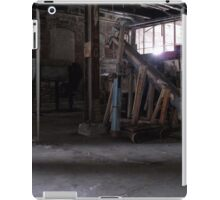Hopper And Scale iPad Case/Skin