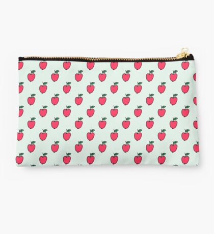 Cute pattern with red apples Studio Pouch