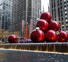 A Christmas Card from New York City – Radio City Music Hall and the Giant Red Balls by Georgia Mizuleva