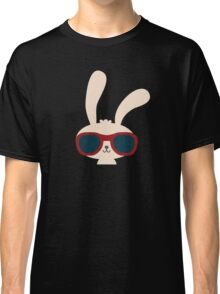 Cute easter bunny with sunglasses Classic T-Shirt