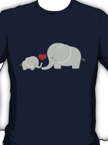 Baby and parent elephant with heart T-Shirt