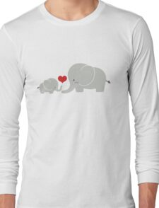 Baby and parent elephant with heart Long Sleeve T-Shirt
