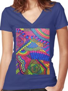 Colorful Geometric Patterned Line Drawing Women's Fitted V-Neck T-Shirt