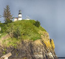 Cape Disappointment Lighthouse by yellocoyote