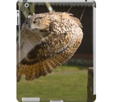 Flying owl at full stretch looking into the camera iPad Case/Skin