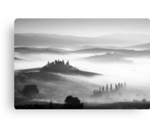 Early morning mist, Val D'Orcia, Tuscany, Italy. Canvas Print