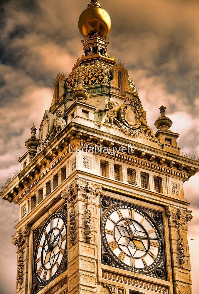 Brighton Clock Tower by LudaNayvelt