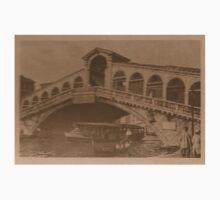 Rialto Bridge Vintage Kids Tee