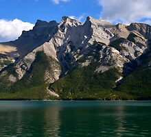 Fall at Lake Minnewanka by dmacneil