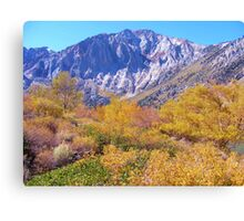 COLORFUL AUTUMN MOUNTAIN RANGE IN MAMMOTH MOUNTAIN Canvas Print