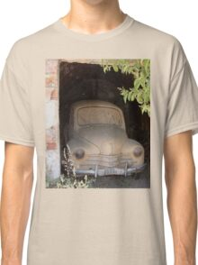 Old-timer in shelf Classic T-Shirt