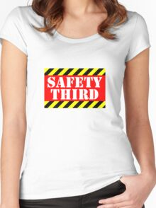 Safety third Women's Fitted Scoop T-Shirt