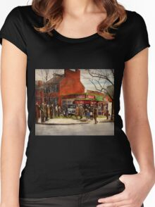Car - Accident - Looking out for number one 1921 Women's Fitted Scoop T-Shirt
