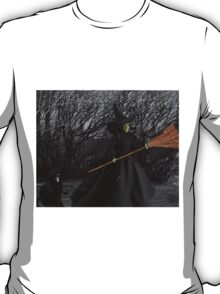 WITCHY WOMAN  PICTURE  T-Shirt