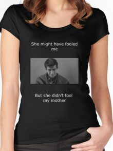 Psycho didn't fool my mother Women's Fitted Scoop T-Shirt