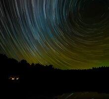 Star Trails and Aurora by faczen