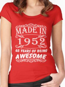 Special Gift For 65th Birthday - Made in 1952 Awesome Shirt Women's Fitted Scoop T-Shirt