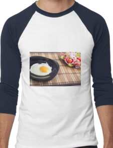 Natural homemade breakfast of fried egg and salad Men's Baseball ¾ T-Shirt