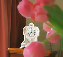 still  life ... with a clock  by OlaG