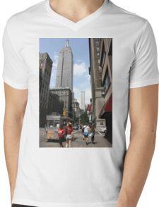 empire state of mind. Mens V-Neck T-Shirt