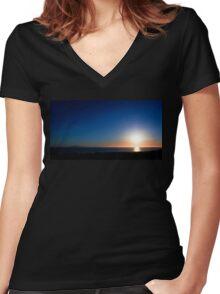 Ventura Sunset Women's Fitted V-Neck T-Shirt