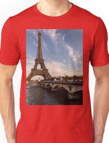 Tour Eiffel et Pont d'Iéna Unisex T-Shirt