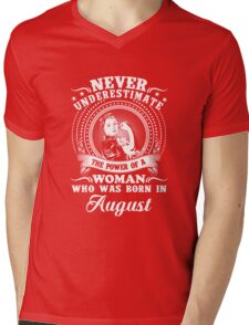 The power of a woman who was born in august T-shirt Mens V-Neck T-Shirt