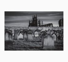 Whitby Abbey and cemetery during the night  T-Shirt
