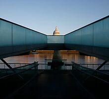 Saint Paul's Cathedral London by goncalodiniz