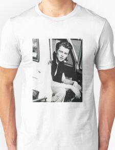 Leo DiCaprio - 90's Unisex T-Shirt