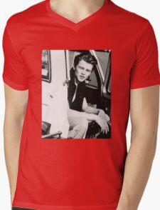 Leo DiCaprio - 90's Mens V-Neck T-Shirt