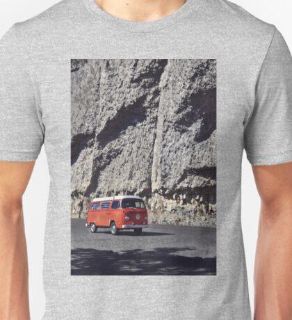 Rock Cliff Orange Vintage Bus Volkswagen Westfalia Unisex T-Shirt