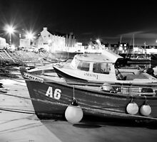 Boats in Stonehaven harbour by Matthew Gordon
