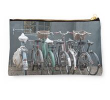 Vintage bicycles Studio Pouch
