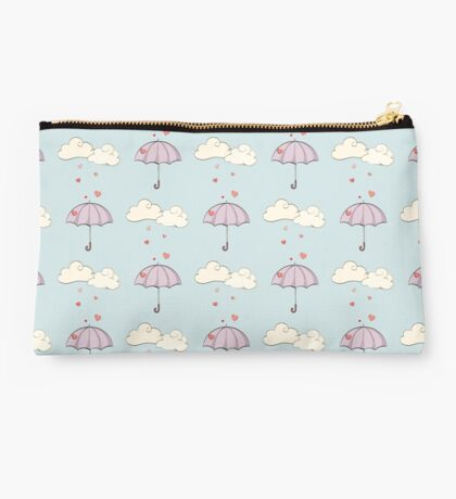 Love is pouring down Studio Pouch