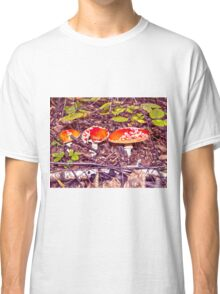 Death cup mushrooms Classic T-Shirt