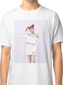 Momo Classic T-Shirt