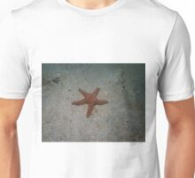 Starfish in the shallows Unisex T-Shirt